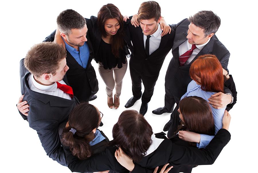 Reunirse, mantenerse y trabajar en equipo eficientemente para el éxito